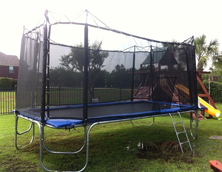 Texas Star 17 X 10 Rectangle Trampoline With Enclosure